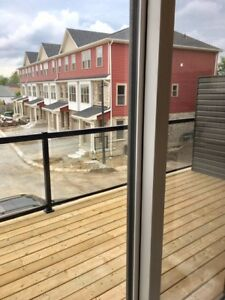 Brand New Beautiful 3 Br Town For Lease In South East Barrie