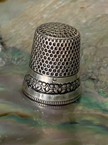 Stunning Sterling Silver Thimble Ketcham and McDougall Tulip Band size 8