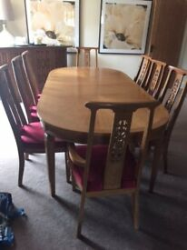 lovely large dining table 8 seater