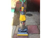 DYSON ROOT 8 CYCLONE UPRIGHT (SPARES OR REPAIR)