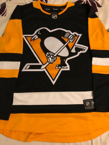 BRAND NEW PITTSBURGH PENGUINS FANATICS JERSEY FOR SALE!!