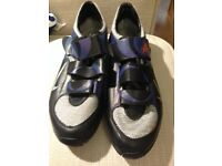 Nike cycling shoes size 6