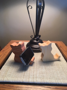 CELL PHONE STAND - CELL PHONE DOCKING STATION