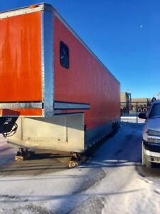 2002 Renagade  36x8,6x9'6 high Enclosed car hauler