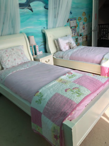 Girls matching twin beds