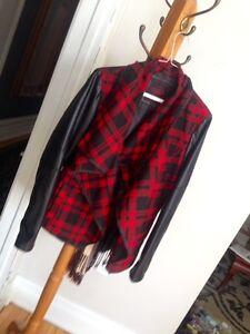 Manteau printemps neuf jamais porté payé 125$+thx