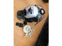 KRUPS DOLCE GUSTO Coffee Machine & 4 Cups and Saucers