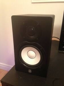 "NEW pair of Yamaha HS5 5"" Powered Studio Monitor Speakers"