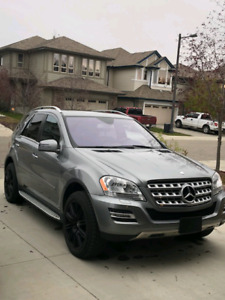 Emmaculate 2011 Mercedes ML350 AWD SUV