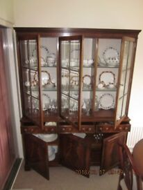 Display Cabinet by Bevan Funnell (see Ad 1290634961 for matching sideboard )