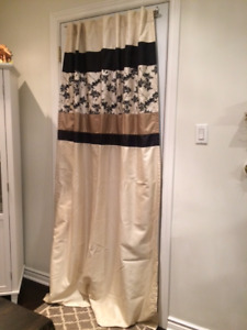 Beige curtains/panels, double curtain rods & textured sheers