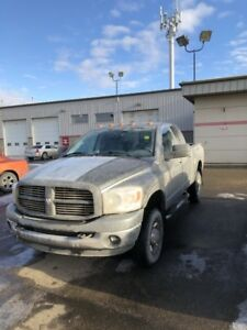 2009 Dodge Ram 2500 SLT CUMMINS LOW MILEAGE