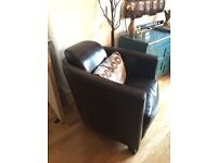 OneDeko Faux Leather Arcmchairs x2