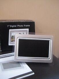 "Argos 7"" Digital Photo Frame"