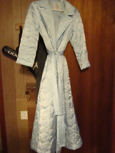 BEAUTIFUL LIGHT BLUE QUILTED ROBE