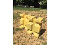 (USED) THE ORIGINAL BLOK plastic show jump poly block training aid – PAIR £50