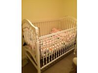 Baby/toddler cot and mattress duo
