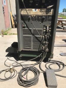 Lincoln 300 amp AC/DC Tig machine 600 volt