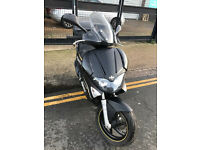 2011 Gilera Runner ST 125 Touring Edition in Black great condition + Top Box