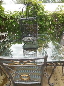 Glass top table and chairs London Ontario image 2