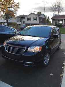 2012 Chrysler Town & Country Touring Minivan, Van - Impeccable