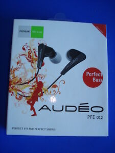 'Audeo' Perfect Bass Earphones 012 (Black) – New in Package