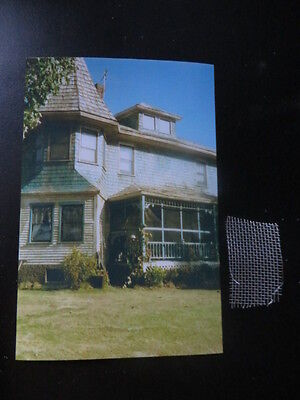 AUTHENTIC STEPHEN KING PIECE OF PROP SCREEN OFF PORCH OF PET SEMATARY SET