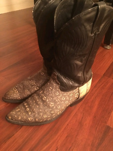 AUNTHENTIC SNAKE SKIN COWBOY BOOTS