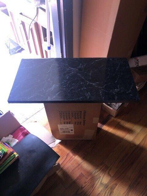 Bullnose Display Shelf  DA224/B (Box of 4 shelves)