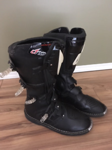 Motorcycle boots size 15