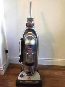 Bissell bag-less upright vacuum cleaner - WORKNG! - AS IS