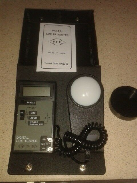 Digital Lux tester (light meter) - as new , in case , with instructions