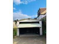 Automated / electric garage door with Marantec comfort 220.2 and two remote controls