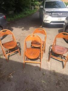 4 FOLDING CARD TABLE CHAIRS