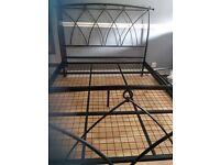 KINGSIZE METAL BED