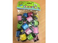 BNIP 20 x Party Poppers