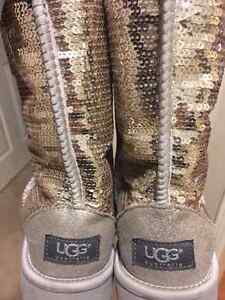 UGG Women's Classic Short Sparkles Boot - Silver
