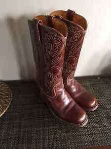 WOMENS FRYE CAMPUS COWBOY BOOTS WORN ONCE,