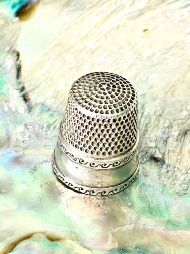 Antique Sterling Silver Thimble Waite Thresh Co with Beautiful Wave Design