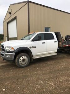 2015 Dodge Ram 5500 SL/SLT/LAR with double A Trailer   EXC COND