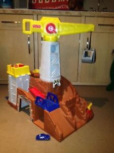 Fisher Price Large Play Structure/Quarry with Crane