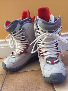 Burton Wemen's Snowboard Boots/ Size US6