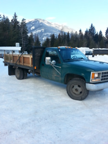 1992 Chevy 3500 12ft. flat deck
