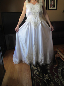 NEW Wedding Dress (Size 12) by Alfred Angelo