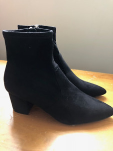 ce330b7ccef Comfy stylish Steve Madden Blaire booties - size 10