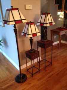 2 table lamps + 1 floor lamp / 2 lampes de table + 1 torchère