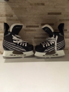 Youth Size 1R Bauer Skates-EUC