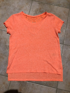 Two Youth Girls Old Navy Tops For Sale - In excellent condition