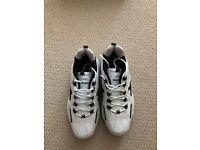 Slazenger Pro Cricket Shoes size 10