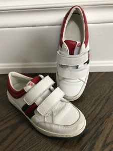 GUCCI DESIGNER KID SHOE size 29, ALMOST NEW!!!! GREAT PRICE!!!!